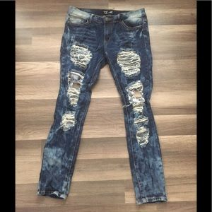 Thrill distressed jeans